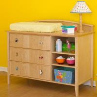 Woodworking Project Paper Plan to Build Double-Duty Changing Table/Dre